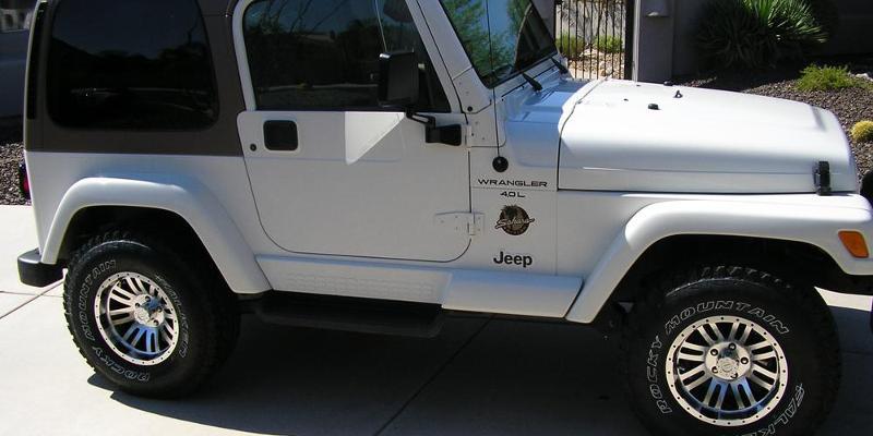 Jeep Wrangler - American Outlaw Wheels Bunker (S108)