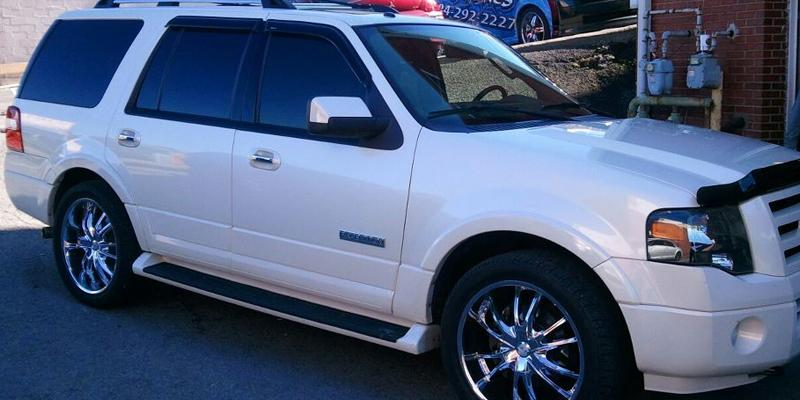 Ford Expedition Bossini