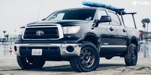 Hostage III - D568 on Toyota Tundra