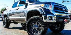 Maverick - D542 on Toyota Tundra
