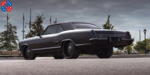 Plain Jane - U475 on Buick Riviera