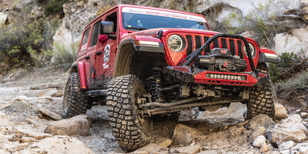 Jeep Wrangler with Vision Off Road 417 Creep