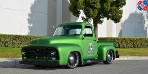 Heavy Artillery - US440 on Ford F-100