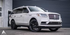 Lincoln Navigator with Asanti Black Label ABL-30 Corona