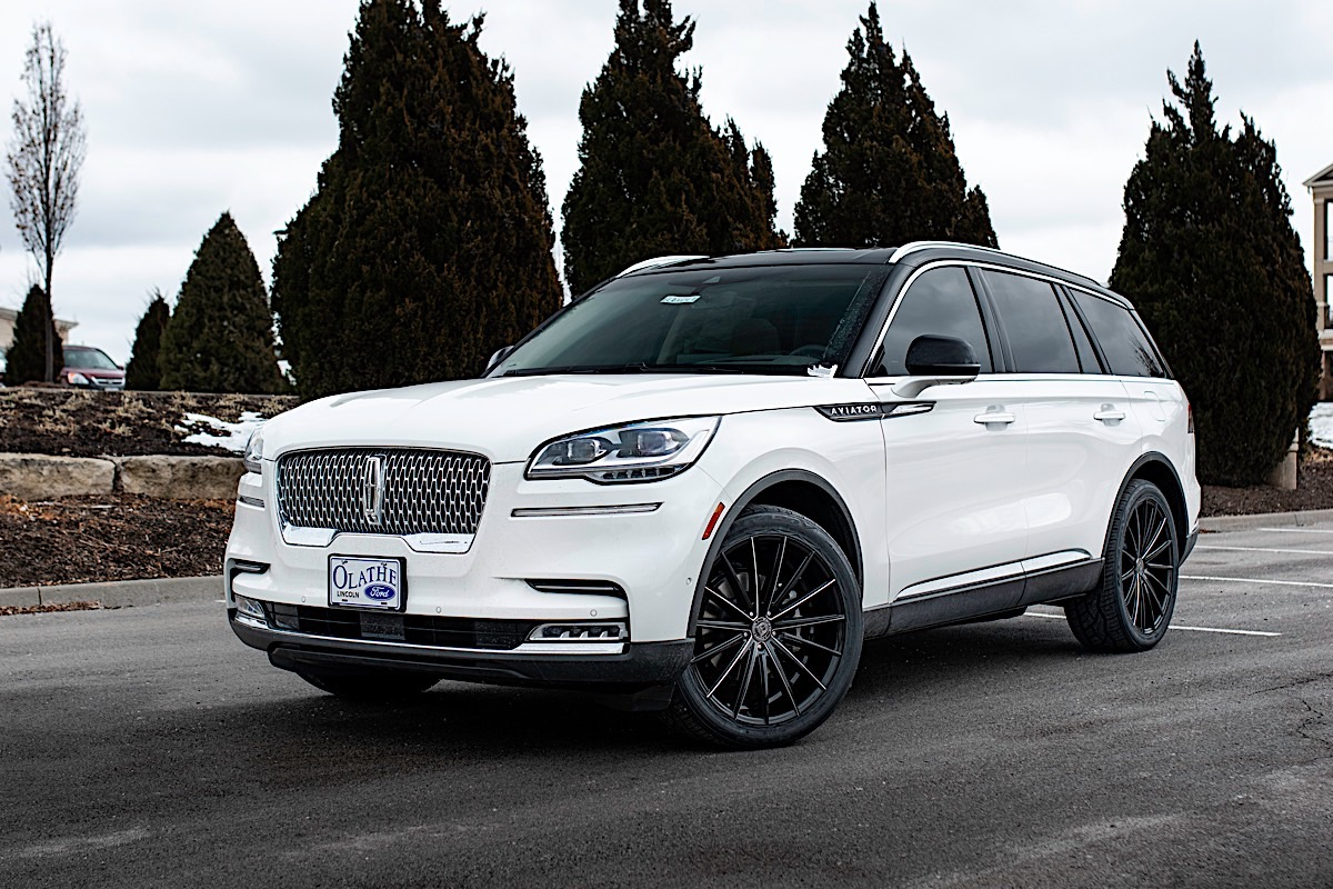 Lincoln Aviator with