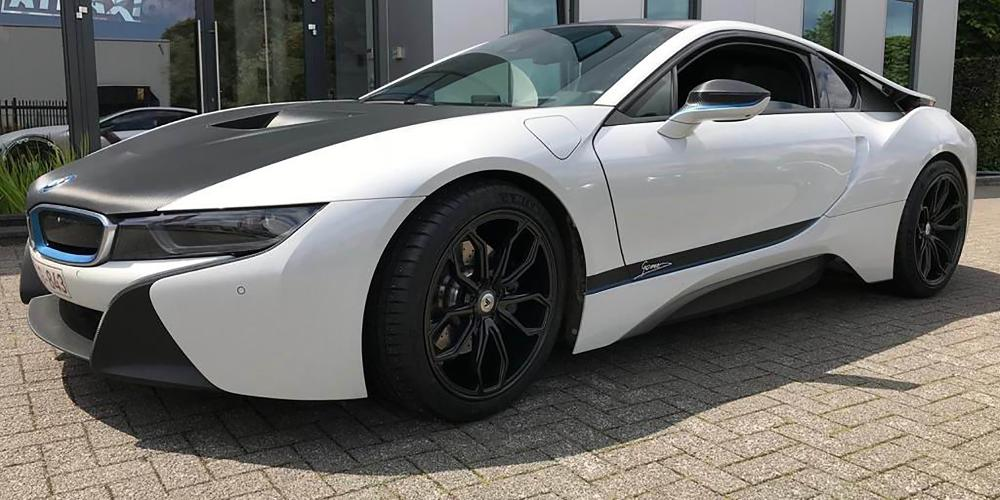 BMW i8 with ABL-19 Athena