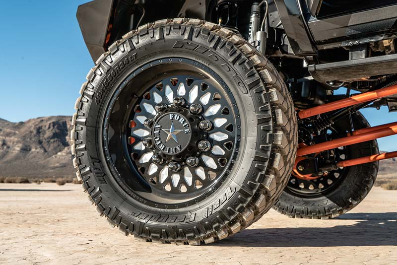Ram 3500 Dual Rear Wheel 6G01 Realm SFSD