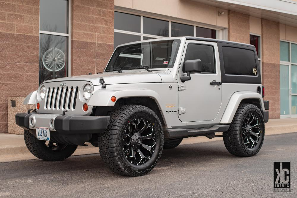 Jeep Wrangler Assault - D546