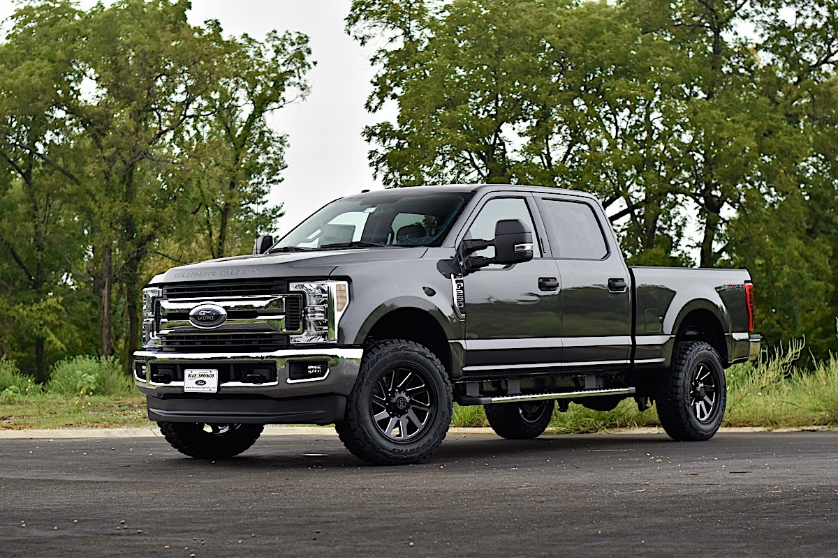 Ford F-250 Super Duty Thrust