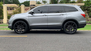 Honda Pilot with Status Wheels Mastadon