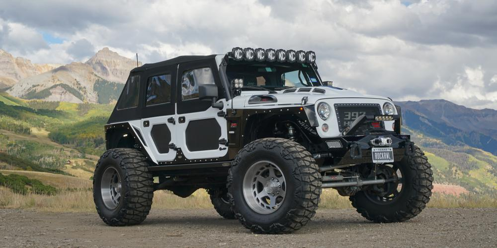 Jeep Wrangler with AB816 Anvil