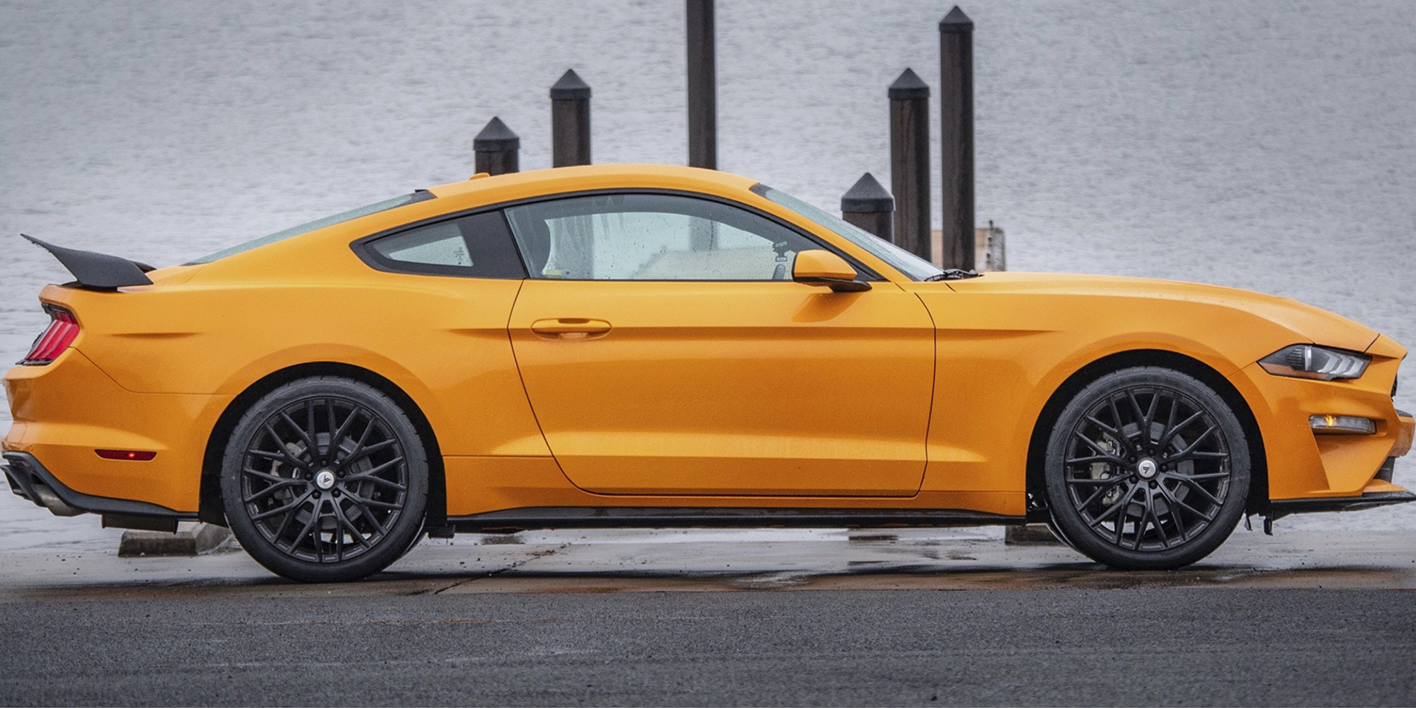 Ford Mustang with Asanti Black Label ABL-21 Leo