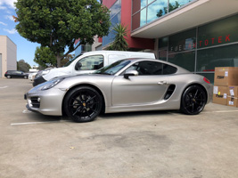 Porsche Cayman with Victor Equipment Zuffen