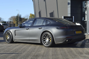 Porsche Panamera with Victor Equipment Stabil
