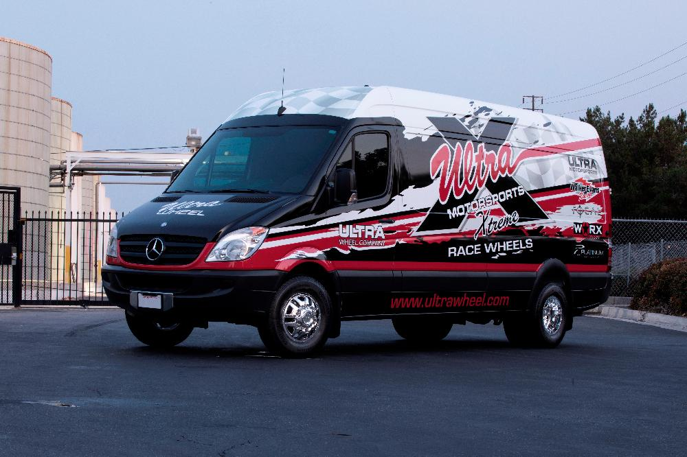 Mercedes-Benz Sprinter ULTRA MOTORSPORTS 003 Hunter Van Dually