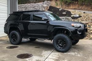 Toyota 4Runner with Black Rhino Chase