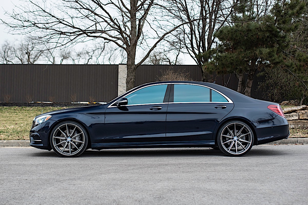 Mercedes-Benz S550 with