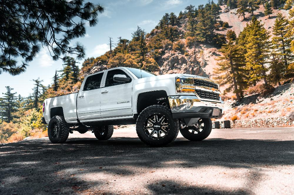 Chevrolet Silverado WORX 813 Destroyer