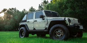 Jeep Wrangler with Asanti Off-Road AB809 Enforcer