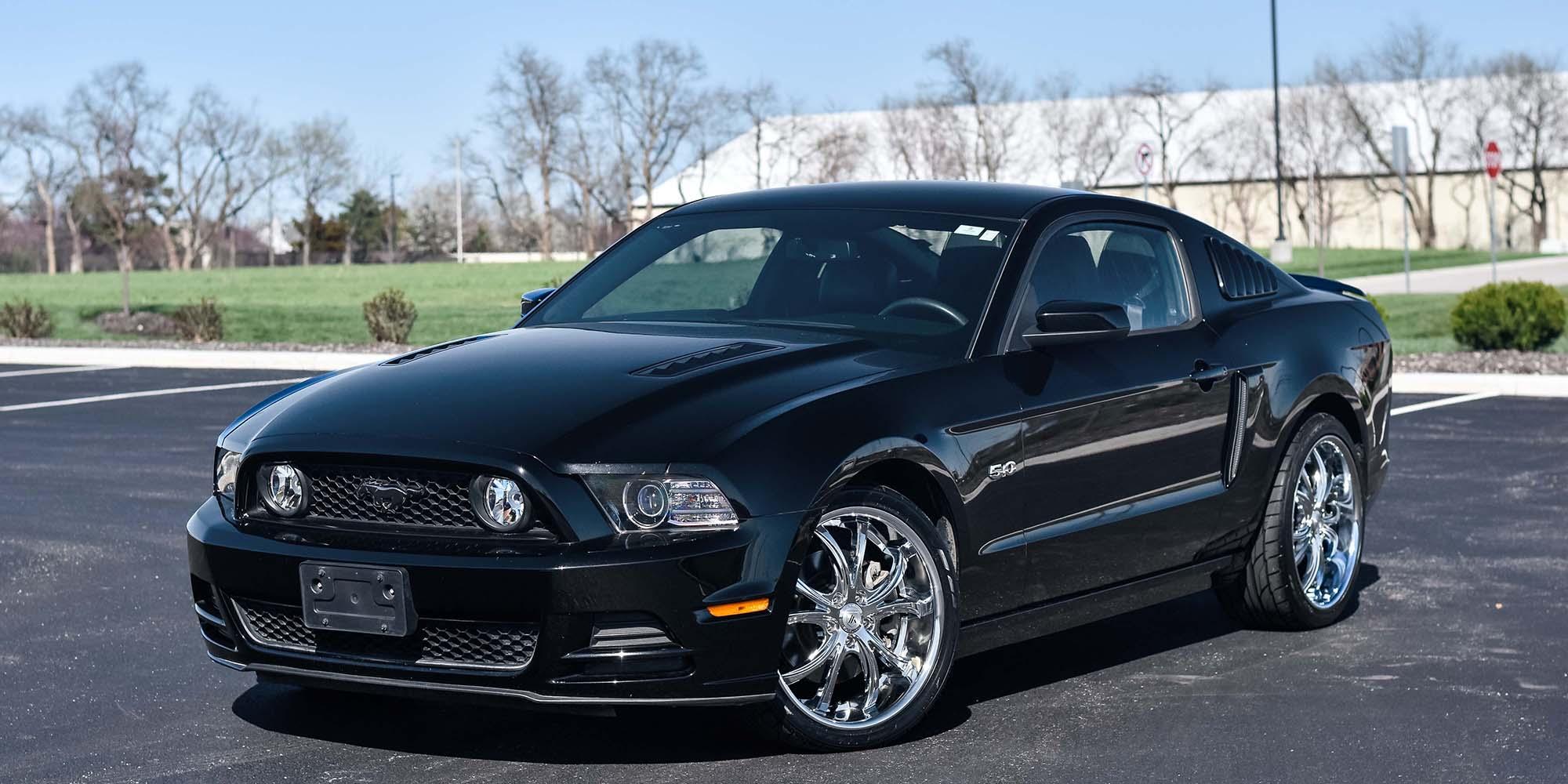Ford Mustang with Asanti Black Label ABL-08 Elektra