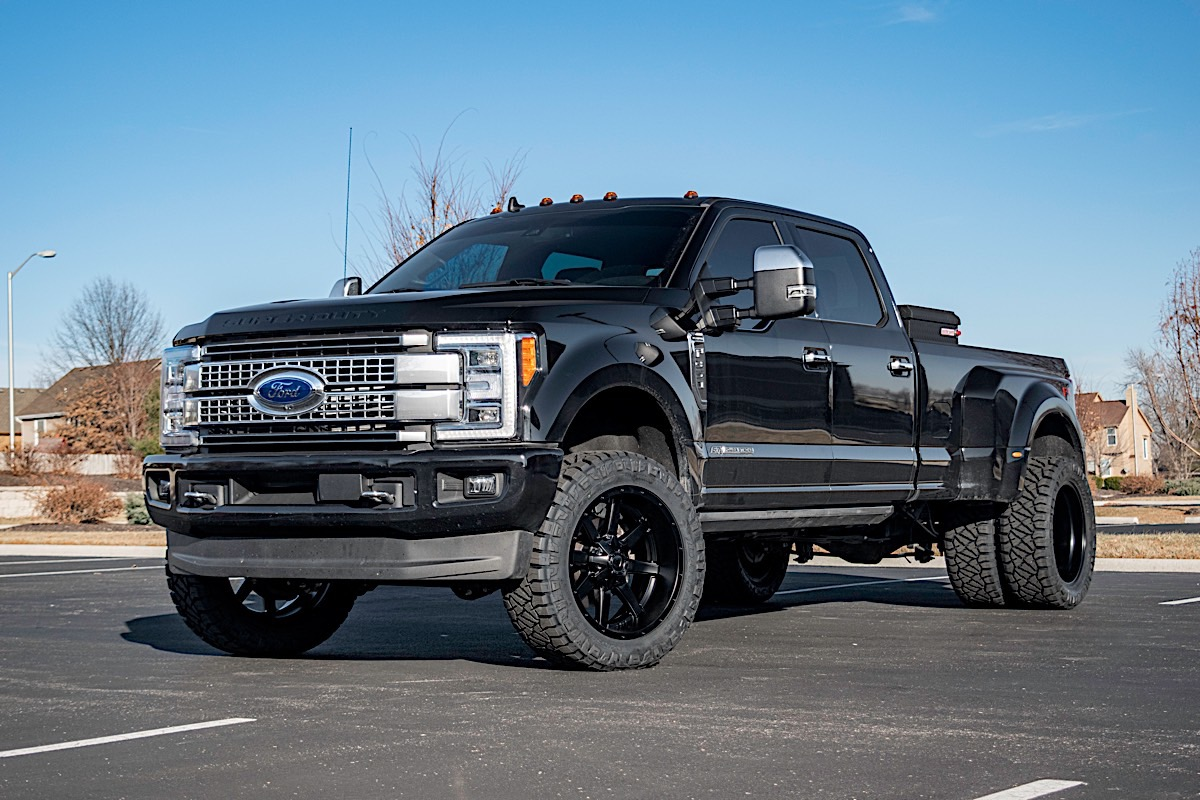 Ford F-350 Super Duty with Fuel 1-Piece Wheels Maverick - D538