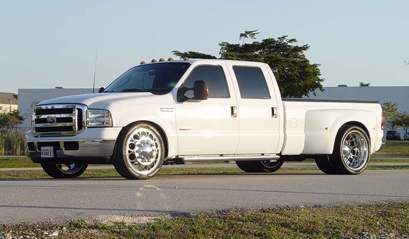 Ford F-350 Super Duty Dual Rear Wheel