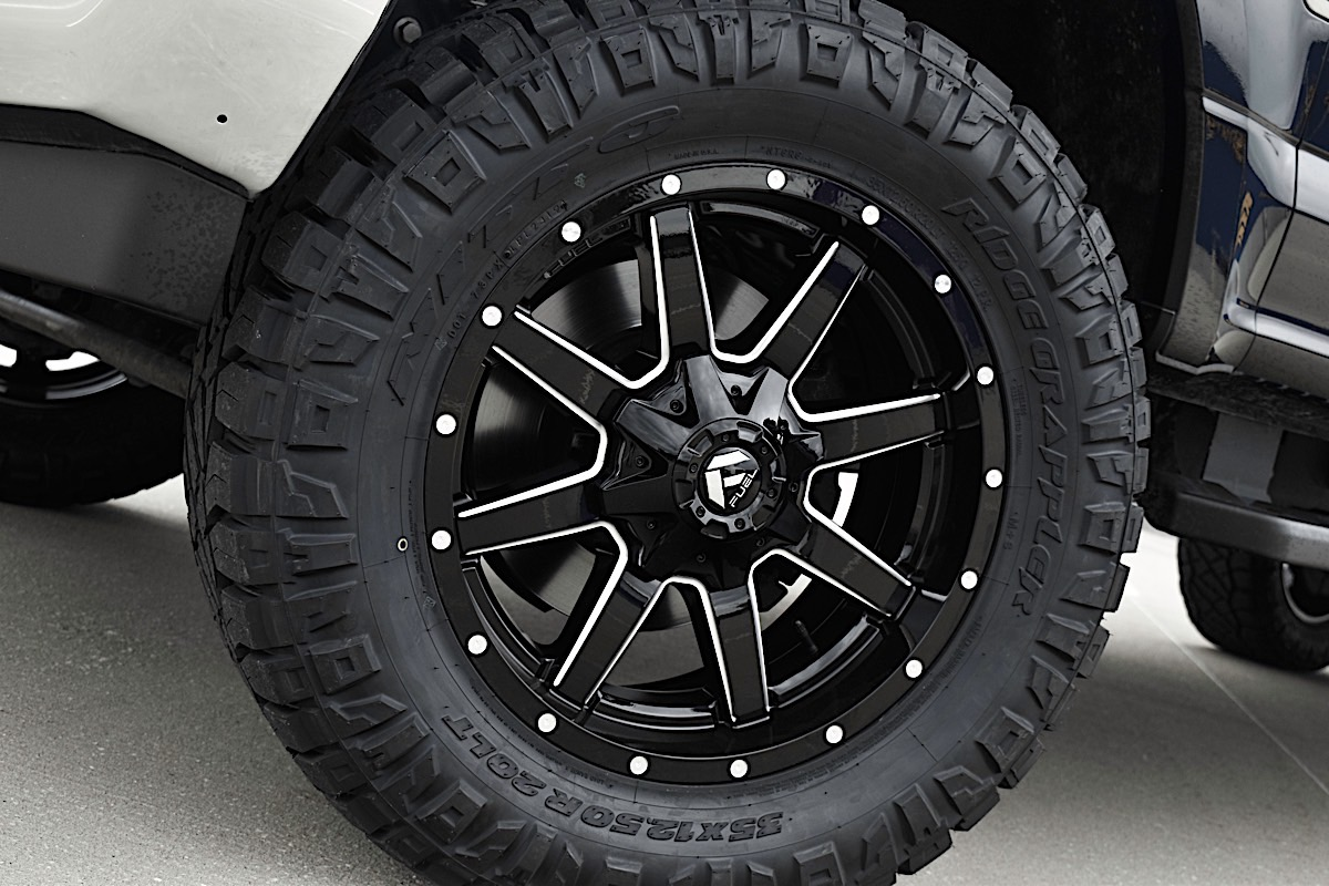 Ford F-250 Super Duty with Fuel 1-Piece Wheels Maverick - D610