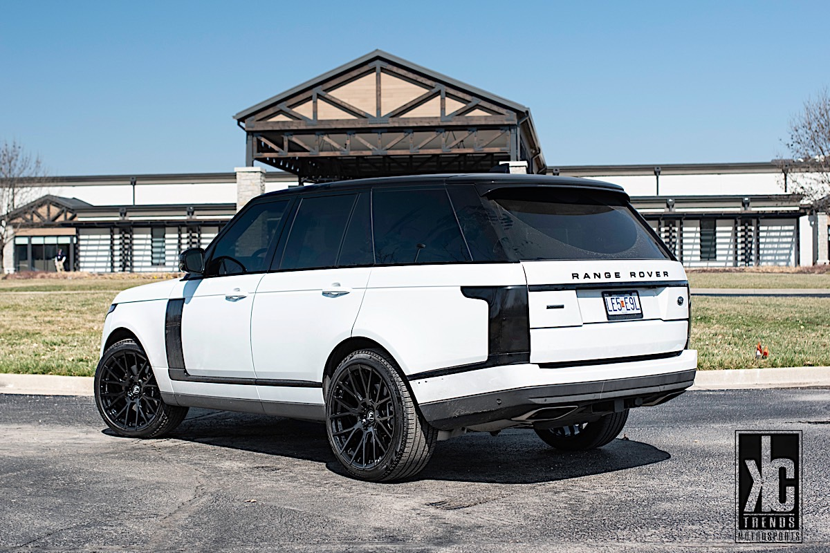 Land Rover Range Rover with