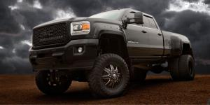 Maverick Dually Front - D538 on GMC Denali HD Dual Rear Wheel