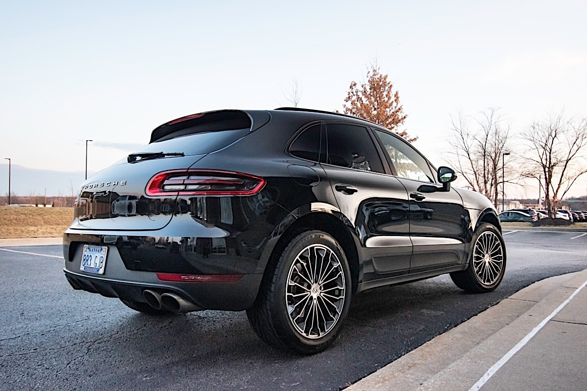 Porsche Macan with Victor Equipment Wurttemburg