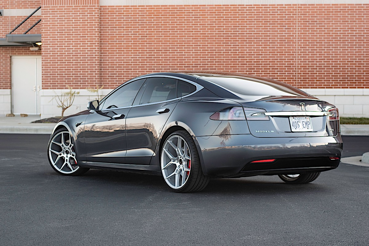 Tesla S with