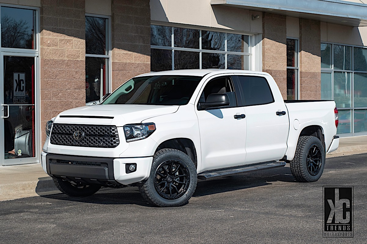 Toyota Tundra with Fuel 1-Piece Wheels Rebel 5 - D679